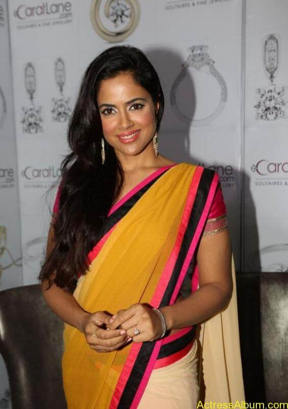 SAMEERA REDDY HOT SAREE COLLECTION