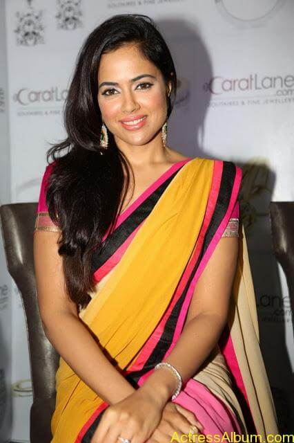 SAMEERA REDDY HOT SAREE COLLECTION6