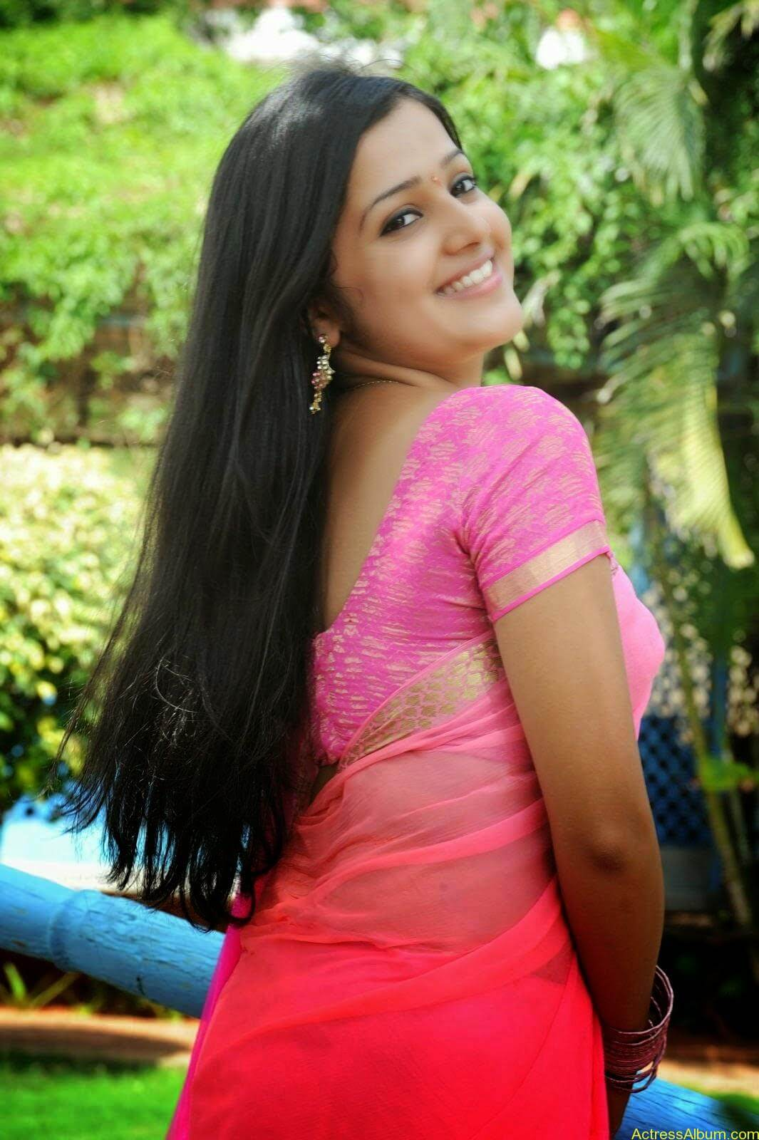 Samskruthy Shenoy In Pink Saree Hot Sexy Actress Photos