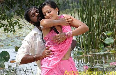 senkadu_roopa kaur_hot_navel_movie_21