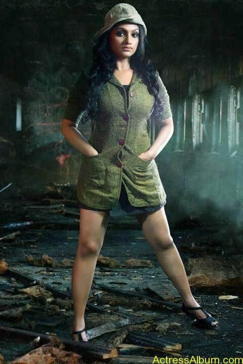 Serial-Actress-Krishna-Prabha-Hot-Navel-thigh-1