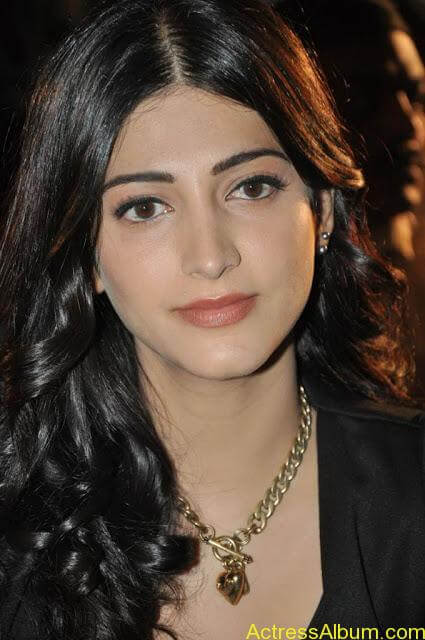 shruti-hassan-new-pictures-1