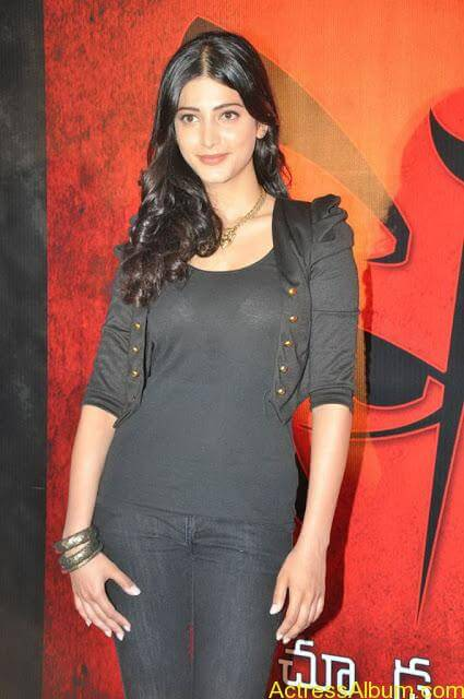 shruti-hassan-new-pictures-25