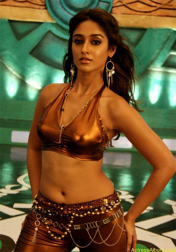slim hot curvy actress ileana cute deep navel exposing