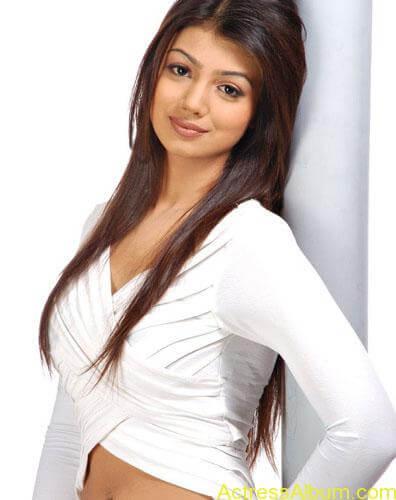 spicy Ayesha Takia Hot Unseen Pics3