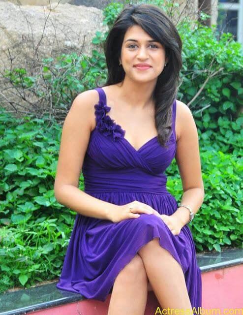 Sraddha Das Bikini Photos (12)