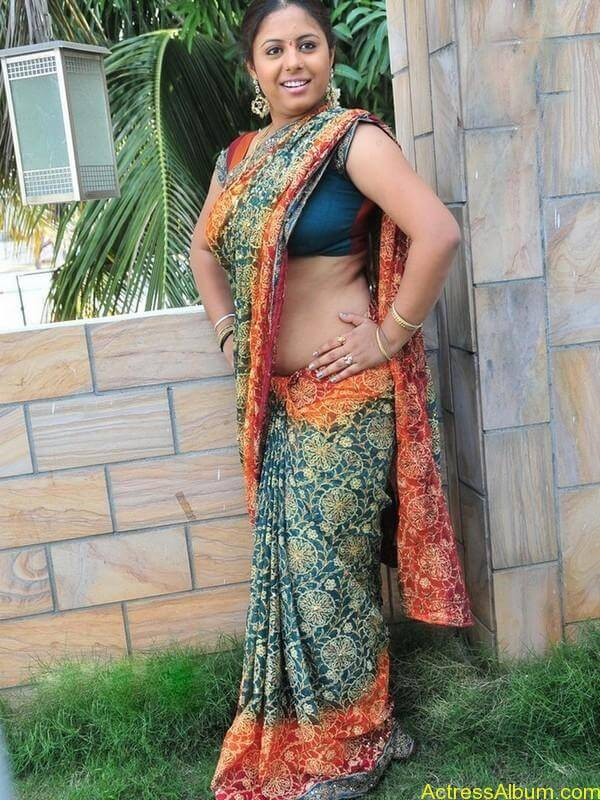 sunakshi_new_stills_057