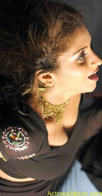Sunita_Verma_Red_Hot_1