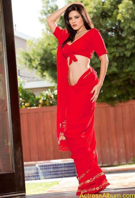 Sunny_Leone_in_Red_Saree_Hot_Sexy_Pics_001
