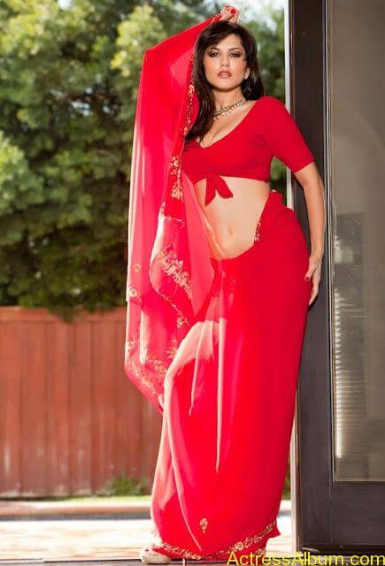 Sunny_Leone_in_Red_Saree_Hot_Sexy_Pics_007