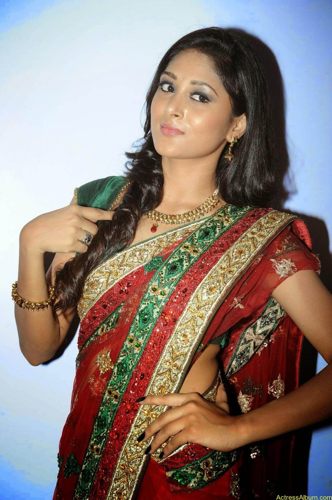 Sushma Raj Hot Navel Pics In Transparent Saree Photos2