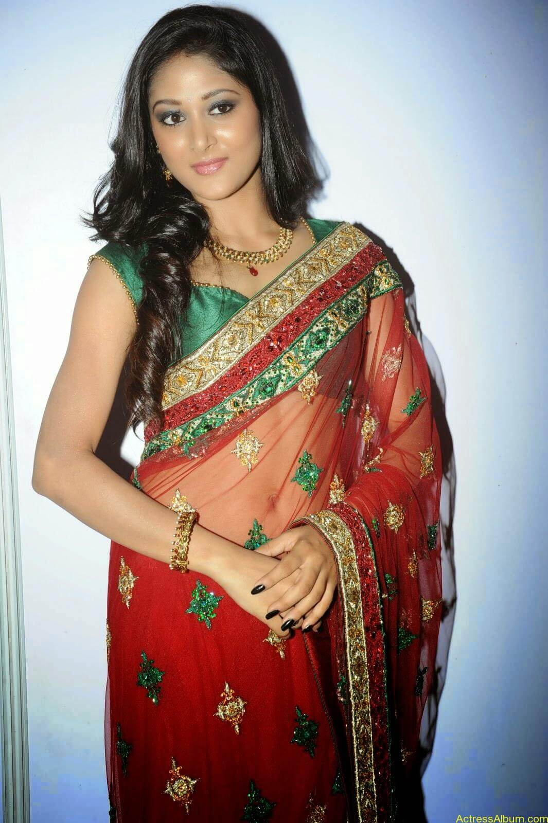 Sushma Raj Hot Navel Pics In Transparent Saree Photos3