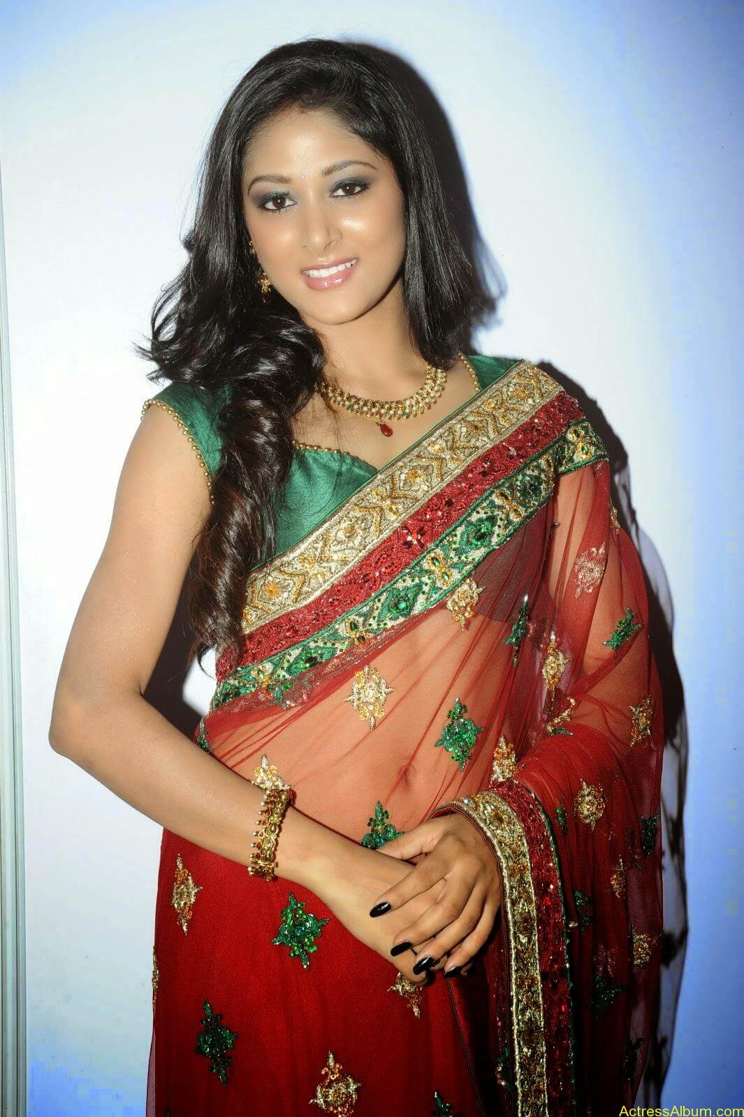 Sushma Raj Hot Navel Pics In Transparent Saree Photos4