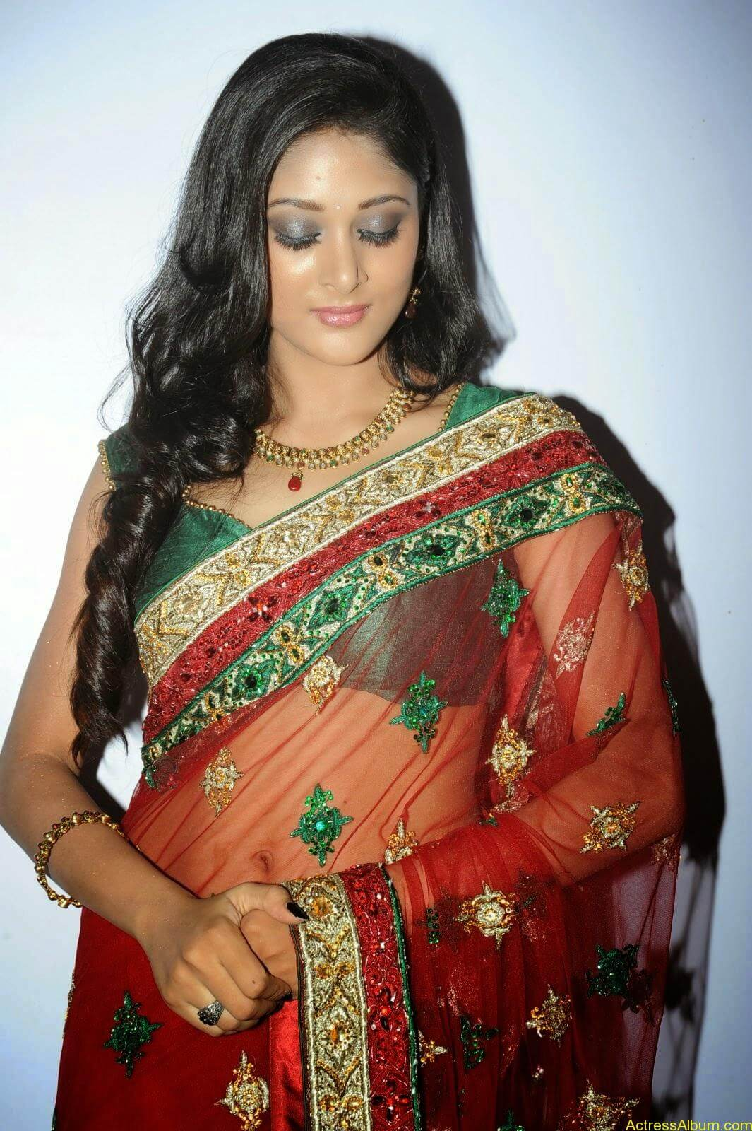 Sushma Raj Hot Navel Pics In Transparent Saree Photos5