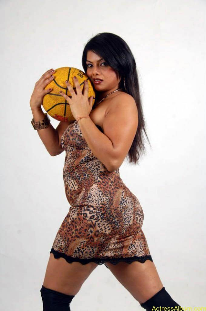 swathika_hot_photoshoot_098-680x1024