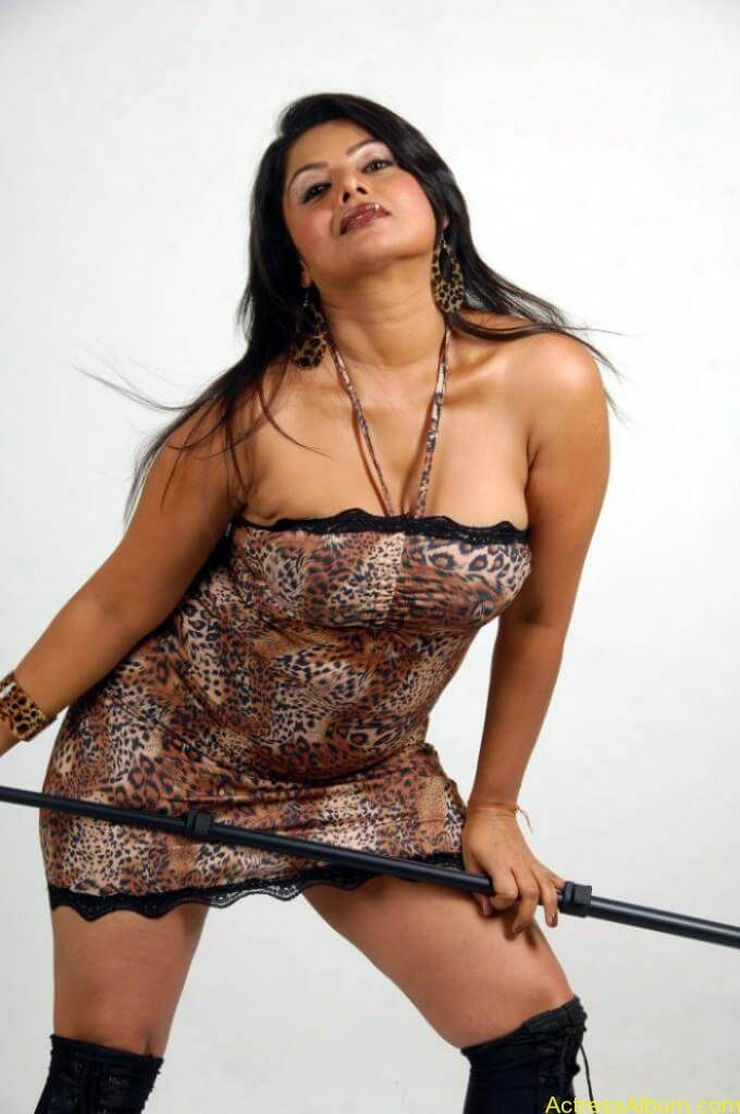 swathika_hot_photoshoot_490-680x1024