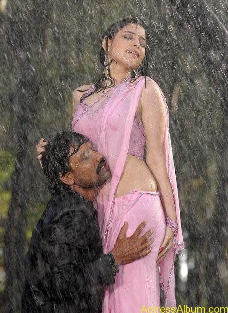 tamanna hot wet navel show 1