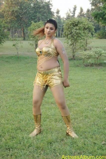 tamil-actress-laksha-hot-navel-phots_2