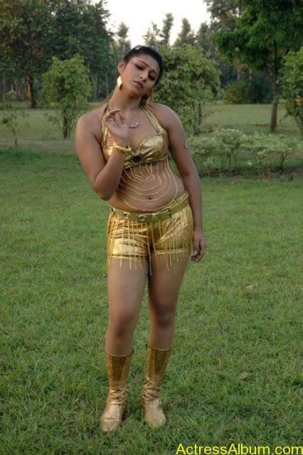 tamil-actress-laksha-hot-navel-phots_3