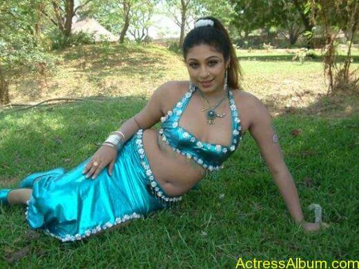 tamil-actress-laksha-hot-navel-phots__1