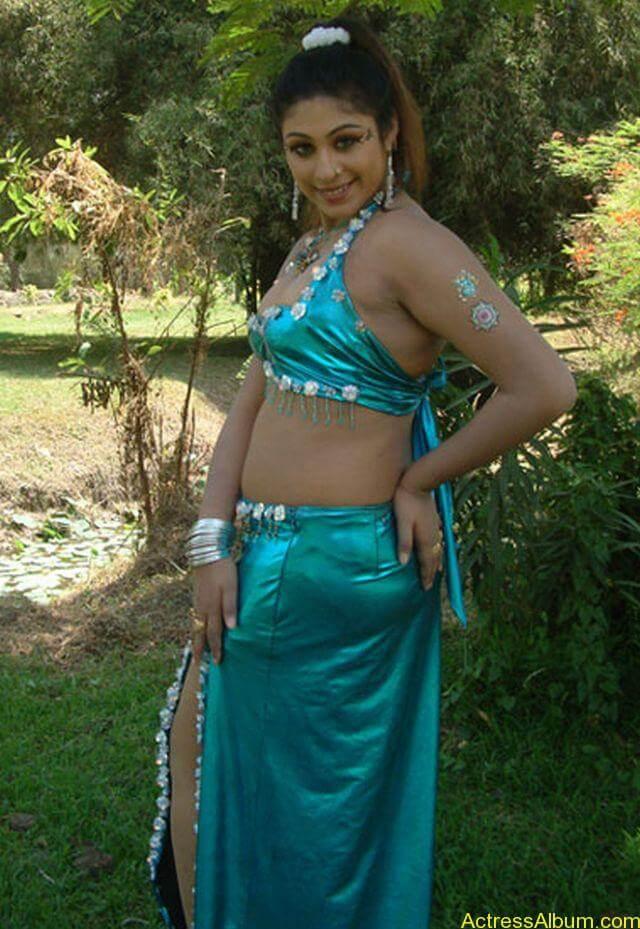 Tamil Actress Laksha Hot Stills 04