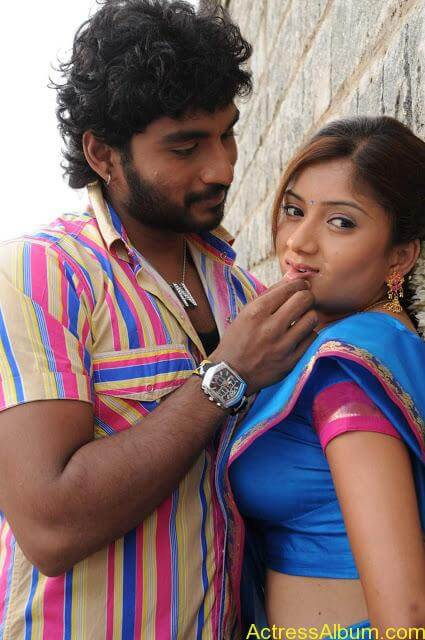tamil-actress-priyanka-chandira2