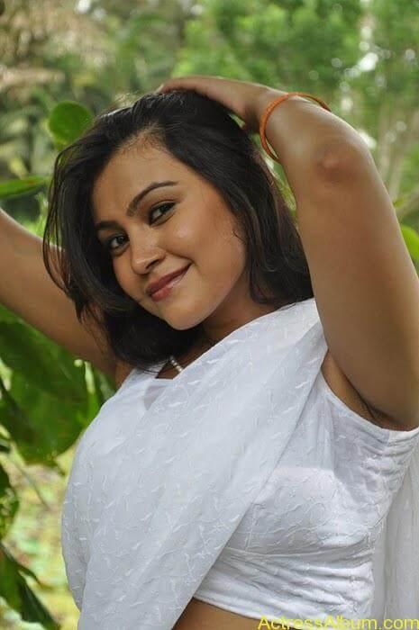 tamil-movie-sathya-sai-swetha menon-hot-actress