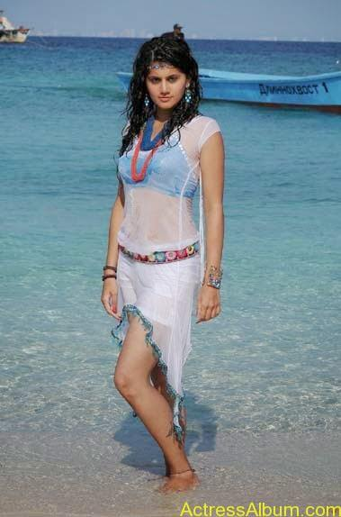 Tapsee Navel Show In Wet Bikini Photos1