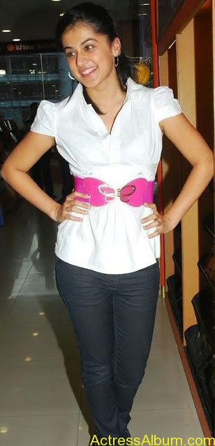 Tapsee_Jeans_3
