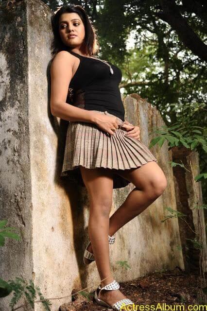 Tashu Kaushik Hot Photos  (16)