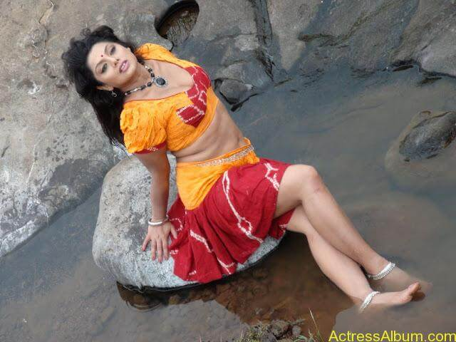 Telugu-actress-swathi-varma-photos-22
