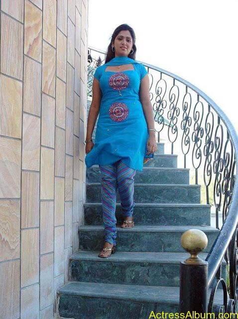 telugu-tamil-actress-bhuvaneshwari-in-chudidhar-photos_22