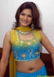 Tharika Hot navel show2