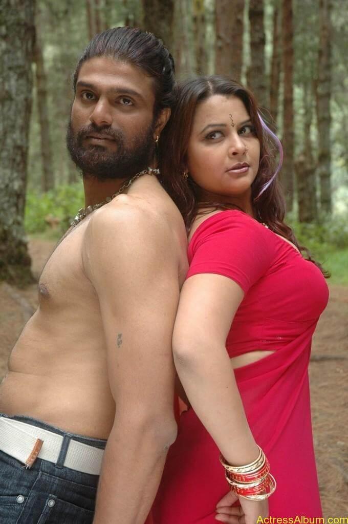Thiruttu Sirukki Movie Hot Stills00147Thiruttu Sirukki Hot Stills, Thiruttu Sirukki Movie Images