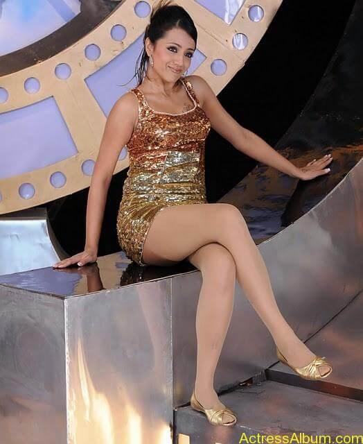 Trisha Hot Thigh Show (11)