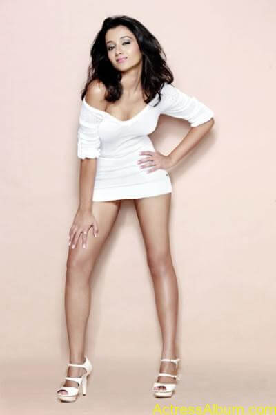 Trisha Hot Thigh Show (9)