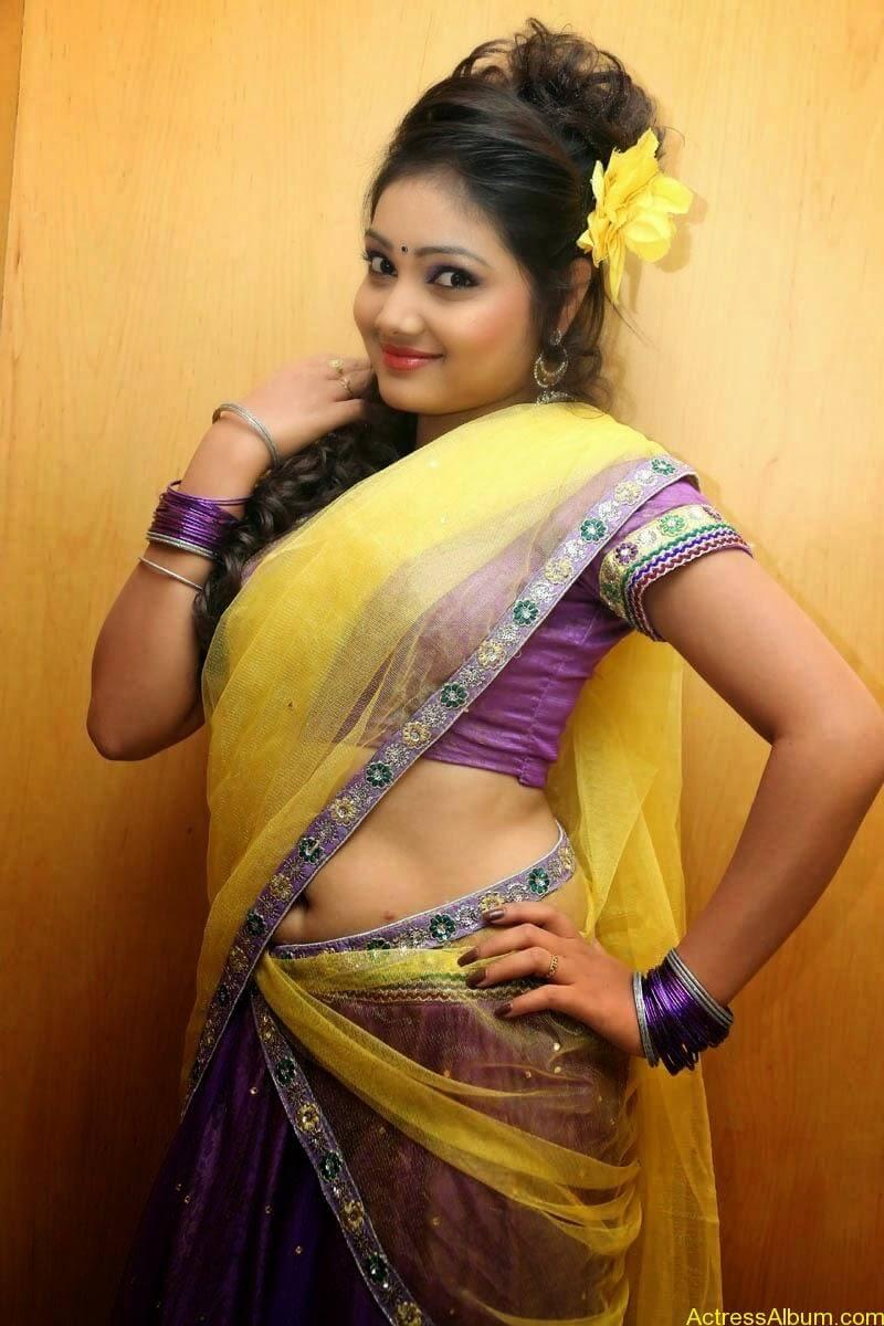 TV Anchor Priyanka Navel Show in Half Saree Photos 2