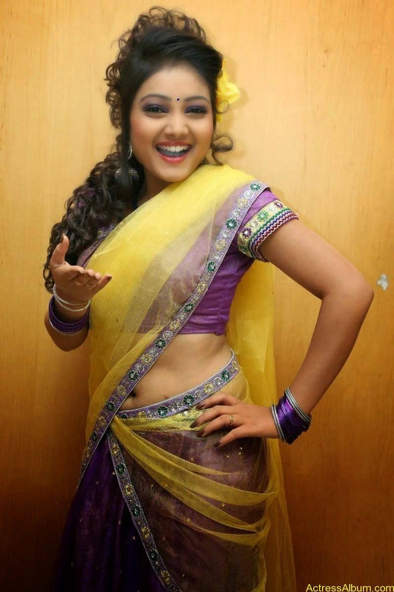 TV Anchor Priyanka Navel Show in Half Saree Photos 3