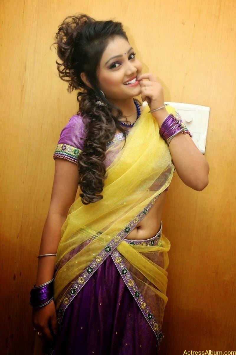 TV Anchor Priyanka Navel Show in Half Saree Photos 4