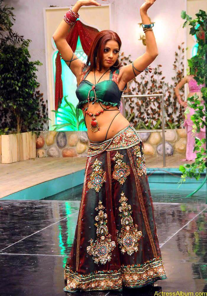 Udhaya-Bhanu-latest-photos-10