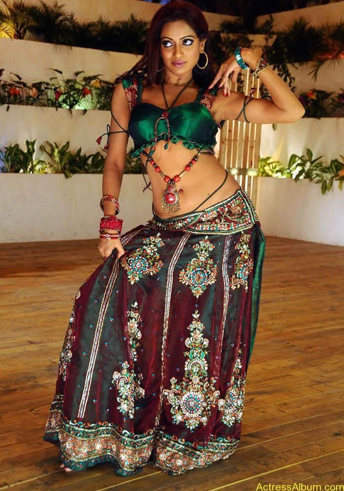 Udhaya-Bhanu-latest-photos-11
