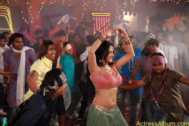 Veena Malik in Punjabi Movie (4)