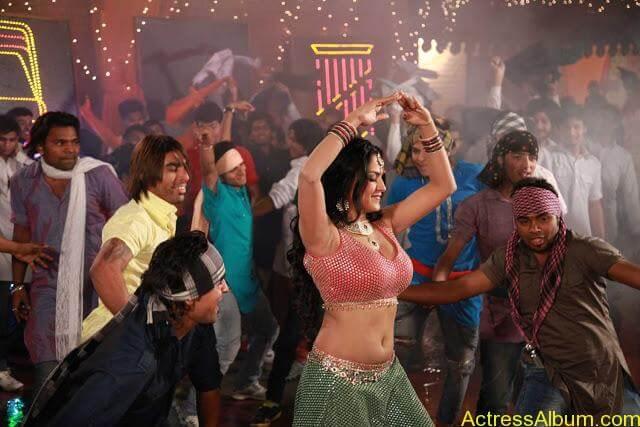 Veena Malik in Punjabi Movie (4)