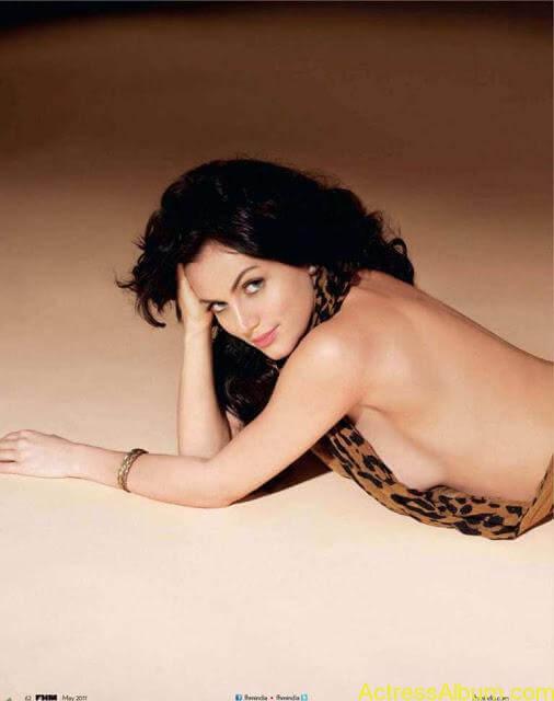 yana-gupta-topless25