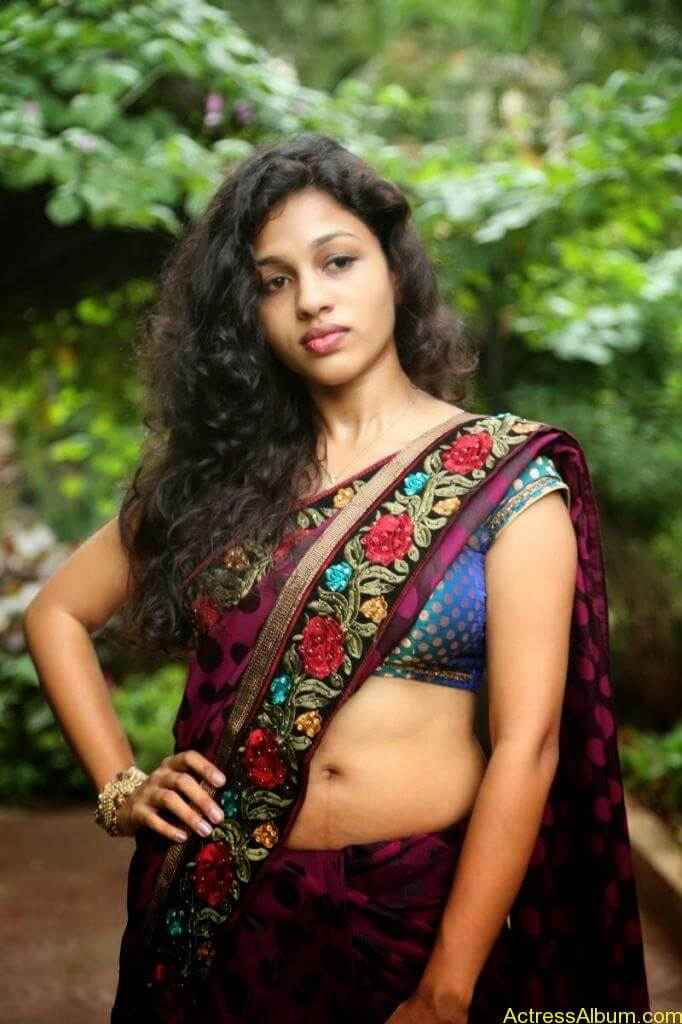 Actress Chaitra Exposing Navel Show9