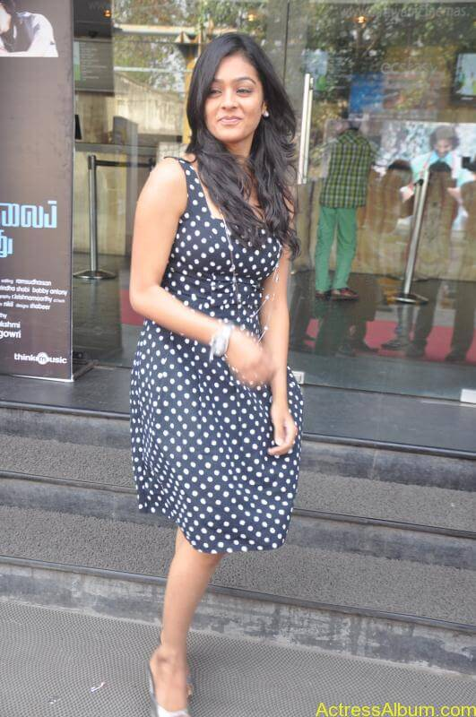 Actress Gayatri At Pozhudhu Movie Audio Launch (9)