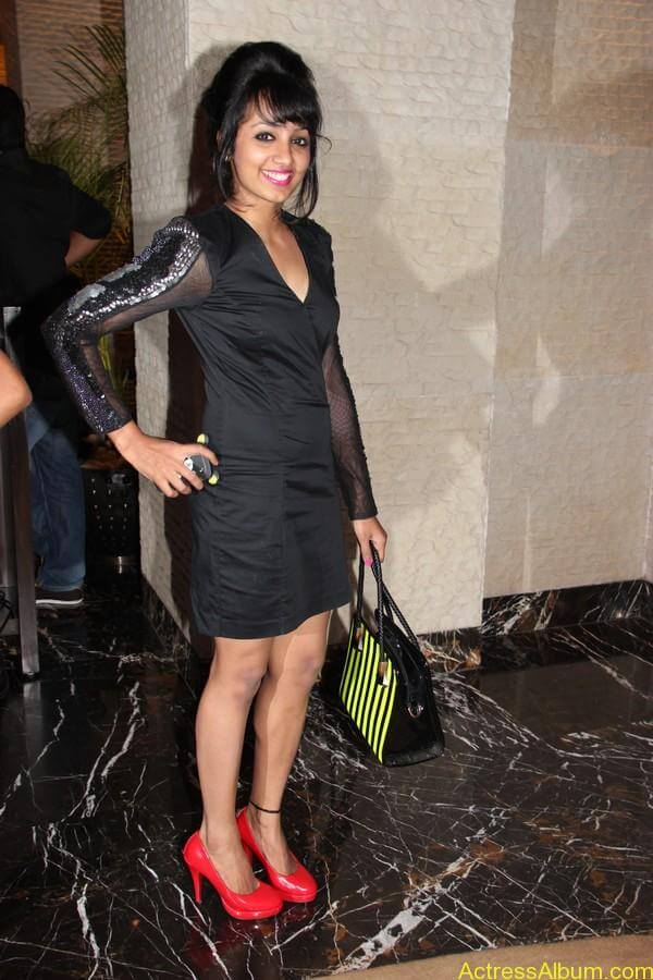 Actress Tejaswi Hot in Awards Function 6