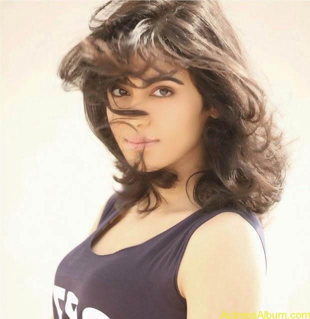 Adah Sharma Hot PhotoShoot (8)