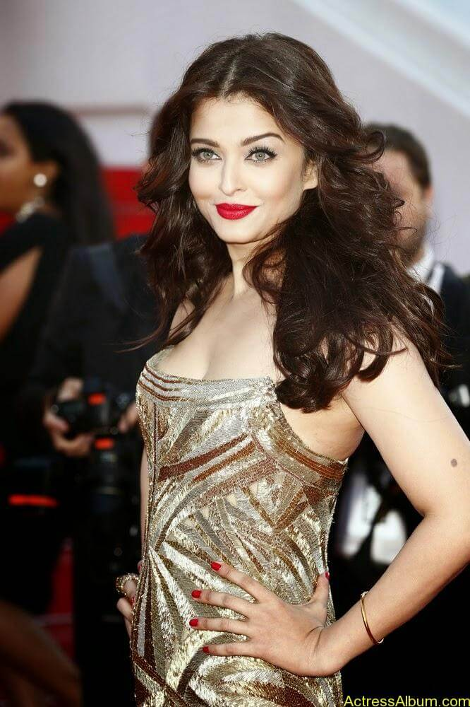 aishwarya rai at cannes film festival (1)