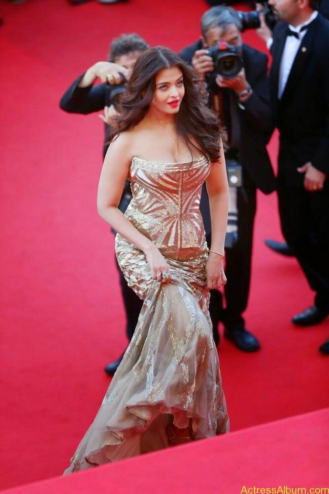 aishwarya rai at cannes film festival (10)